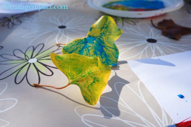 Pečati od lišća i tema: Jesen