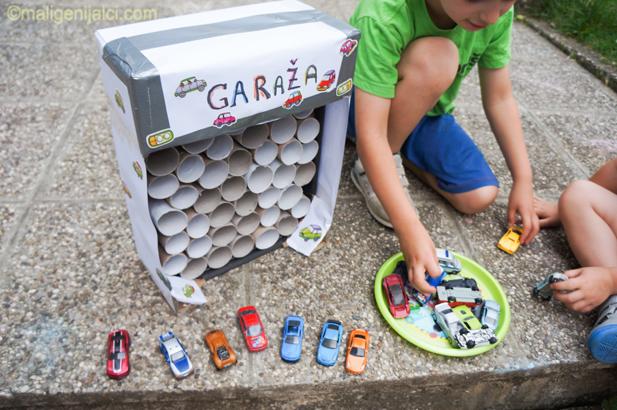 Garaža za autiće