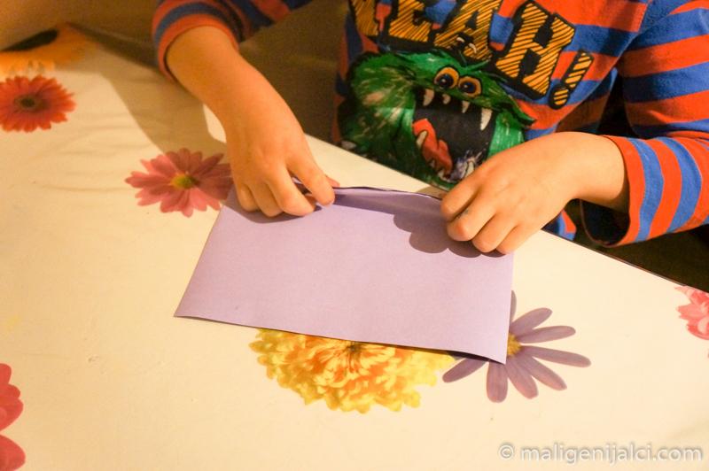 papir 2 Lepezama od papira do šarenih dekoracija