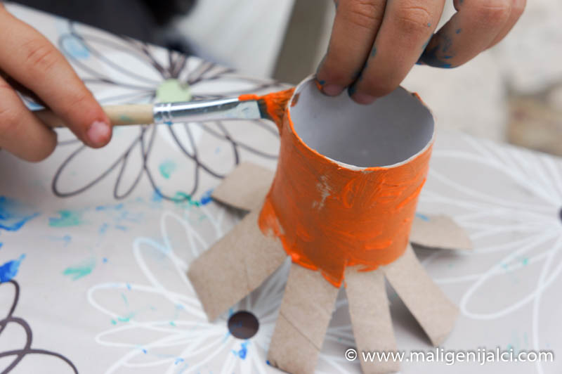 DSC08267 Izradimo hobotnicu od papirnatih rola