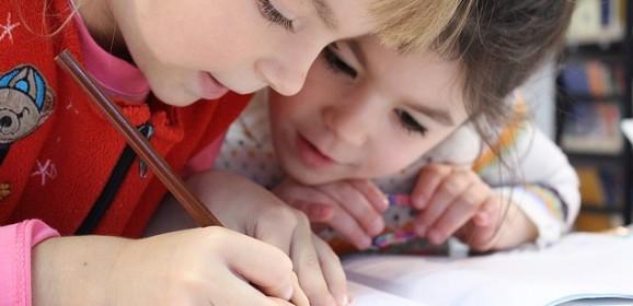 Pisana slova; muke jedne mame i stres njenog školarca